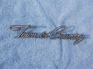 1968-1973 Chrysler Town & Country emblem