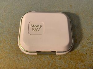 Mary Kay Compact #3270 Unfilled New Old Stock