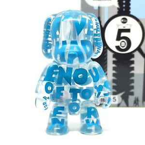 *RARE* Toy2R Qee Series 5 Dog Vinyl Art Figure Toy Urban Designer Key Chain