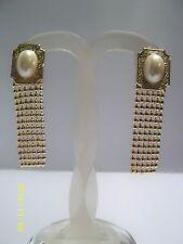 Quadrato orecchini a Clip dorati con ovale Perle finte e catena pendente Vintage