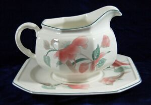 BEAUTIFUL MIKASA SILK FLOWERS F3003 GRAVY BOAT / LINER - EXCELLENT CONDITION