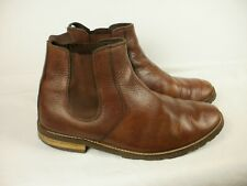 A PAIR OF MENS BROWN LEATHER BOOTS SAMUEL WINDSOR SIZE 10.