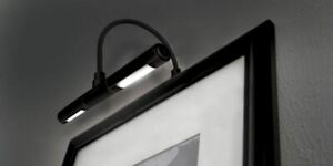 LED Picture Frame Light Battery Operated Black Wall Lamp Cordless Lighting Art