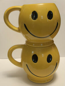 Set of 2 Vintage McCoy Yellow Happy SMILEY FACE Mugs