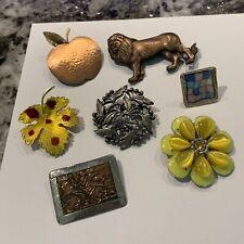 / Pins Flower Lion Apple Leaf Etc Lot Of 6 Vintage - Modern Costume Brooches