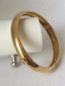 Bracelet semi-jonc ouvrant de forme Ovale / Or jaune 18 K / Réf MP2248