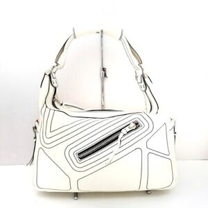 Auth TOD'S Cream Patent Leather Handbag