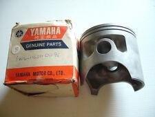 YAMAHA  YZ400  IT400  GENUINE NOS  STD PISTON   VMX   1W4-11631-00
