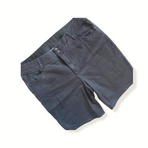 LANE BRYANT Black Bermuda Shorts sz 22 Stretch Comfort Double Button Zippered