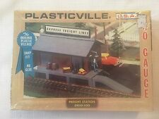 PLASTICVILLE HO Express SCALE FREIGHT STATION #2610-100 NOS Sealed New