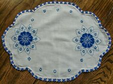 New listing Vintage blue and white linen dresser scarf used