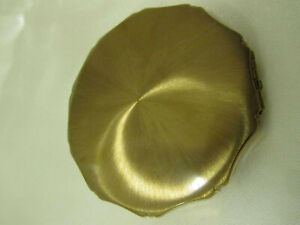 VINTAGE KIGU GOLDTONE POWDER COMPACT Sunburst Design