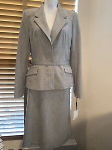 NWT CALVIN KLEIN Light Gray  Belted Skirt Suit Size 10.  $280.            P11770