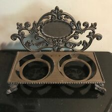 GG Collection Acanthus Leaf Metal Dog Bowl Holder Without the Ceramic Bowls