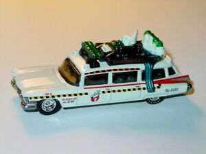 ECTO 1 GHOSTBUSTERS COLLECTIBLE DIECAST MOVIE CAR -White, 1/64 BW