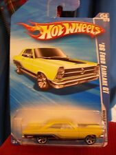 Hot Wheels '66 Ford Fairlane GT Muscle Mania Yellow