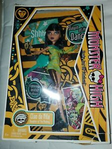 Monster High Cleo de Nile Daughter of The Mummy Doll NEW 2009 First Wave