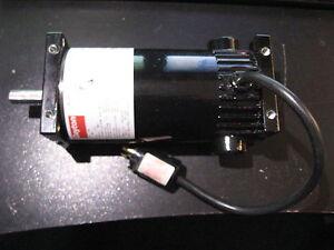 DC Motor Dayton 9NDC1 1/8 HP 90 Volts 1860 RPM USED Qty 1