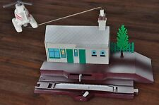 THOMAS TANK ENGINE Tomy Snow topped Xmas Harold flying over station