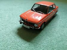BMW 2002 tii   DEALER EDITION  1 18 COLLECTORS MODEL