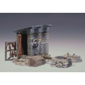 Woodland Scenics D213 HO-Scale Smokehouse KIT, Many Details, Lead-Free Metal