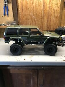 axial scx10 2 RtR Metall Chassis Crawler Jeep 2S 1080 Regler 35t Traxxas Räder
