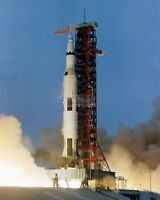 APOLLO 13 SATURN V LIFTS OFF FROM PAD A LAUNCH COMPLEX 39 - 8X10 PHOTO (AA-159)