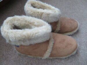 COOLERS MENS TAN HARDSOLE SLIPPER BOOTS - NEVER USED LARGE SIZE 11/12
