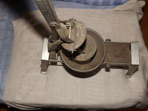 ANCIEN COUPE-FRITES  presse purée MANUEL sans grille ou lames VITE-FRITES