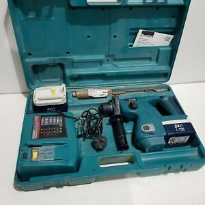 Makita BHR200 24V SDS Hammer Drill 2 Dead Batteries plus Charger