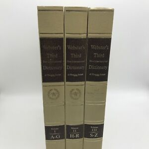 Websters Third New International And 7 Language Dictionary - 1971 Edition