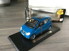 MAISTO EXCLUSIVE MERCEDES BENZ CLASSE A KLASS 1997 BLU PETROLIO 1-18 1/18 new