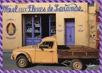 Valensole, Magasin Miel aux Fleurs de Lavande rue Albert Richaud , 2 CV Diane
