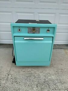 Vintage General Electric (GE) Wall Oven circa 1957 - Turquoise