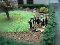 (ET01) Pastor Trauergäste Figuren Spur Gauge Z  (1:220) funeral guests parson