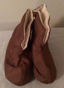 Women's Duvet Slippers Size S (5-6) NEW Brown New