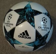Adidas Finale 17 mini Champions League Football ball
