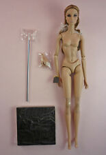 MAJESTY GISELLE  - NUDE DOLL, EXTRA HANDS & STAND - RIGHT OUT OF THE BOX