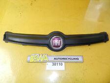 Kühlergrill mit Emblem    Fiat Panda 1,2     735520656  Nr.38110