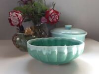 "Vtg USA Pottery Bulb Planter in Aqua Mint Jade Glaze 907 scalloped edge 7 3/8"""