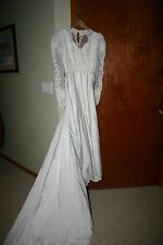 Wedding gown dress traditional princess waist style sequins beads size 6 petite