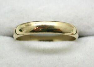 9 carat Gold Plain Narrow Wedding Ring Size Q