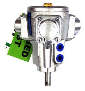 COSMOSTAR AM0705 1/8HP Three-Piston Type Air Motor