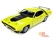 1971 PLYMOUTH ROAD RUNNER LOONEY TUNES CITRON YELLOW 1:18 BY AUTOWORLD AMM1158