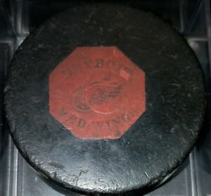 1968-1969 PAT.# SCARCE VINTAGE DETROIT RED WINGS NHL CONVERSE ART ROSS GAME PUCK