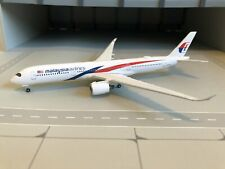532990 Malaysia Airlines Airbus A350-900, 1:500
