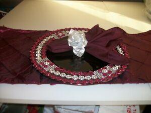 19PC BURGUNDY AND SILVER TABLE ACCESSORIES