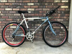 RARE VINTAGE DIAMONDBACK APEX COMP STYLE BLUE/WHITE  MOUNTAIN BICYCLE