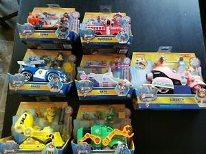Paw Patrol The Movie Deluxe Vehicle includes Liberty - lot