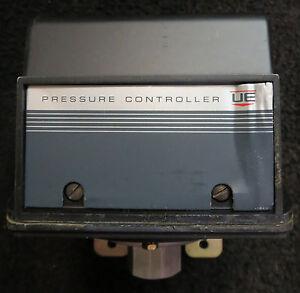 United Electric J 302 9818 553 R Pressure Controller